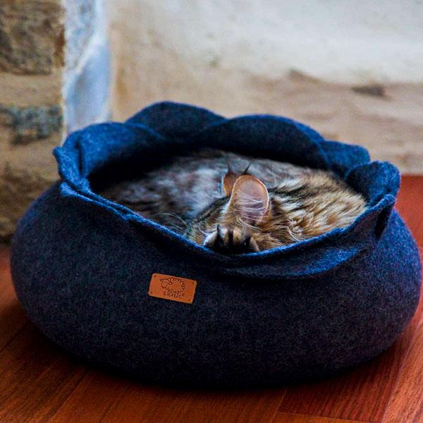 жидкий кот в корзинке
