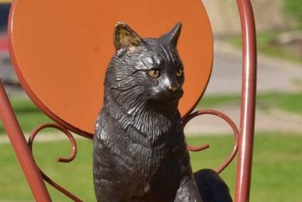 В Санкт-Петербурге установили памятник блокадной кошке